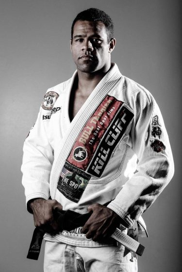 Vitor Henrique Oliveira, Primed and Ready